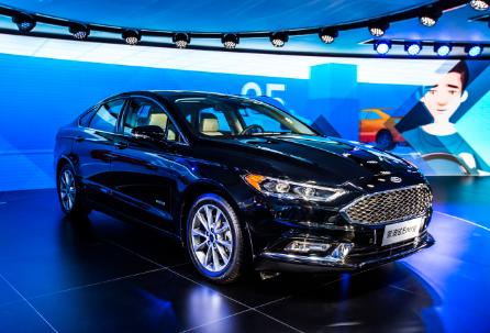 长安福特在2017年上海车展上全球首发混动版蒙迪欧Energi,该车将于2018年投产并上市。视觉中国