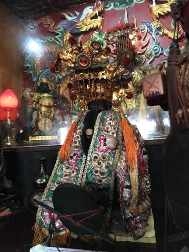 台湾屏东新园关帝关圣宫的关圣帝君神像3日凌晨4点被人擅自抱走,当天寻回。台湾《联合报》记者蒋继平/摄影