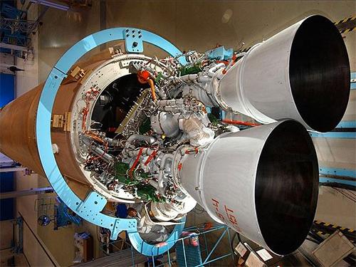 俄罗斯威胁报复美国贸易战:禁售航天发动机