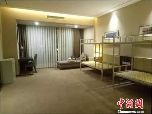 资料图:成都青年驿站四居室。 钟欣 摄