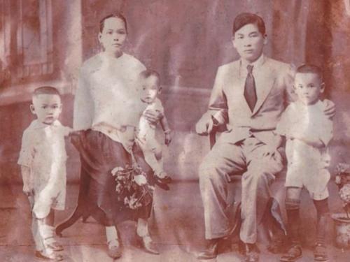华裔黑人辞高薪工作赴中国寻根 失联90年血脉重连
