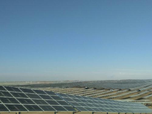 中国能建承建鄂尔多斯沙漠光伏电站并网发电-国务院国有资产监督管理委员会