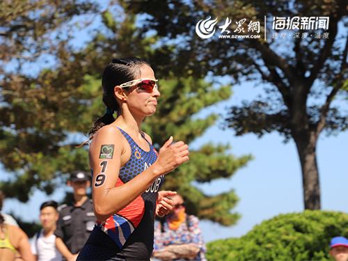2019威海铁三女子优秀组在长跑赛道挥洒汗水