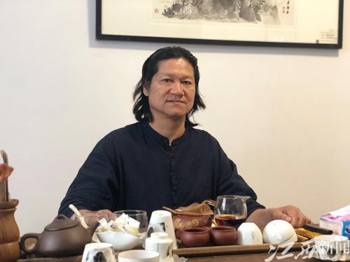 叶建新:读陶瓷故事 品百味人生