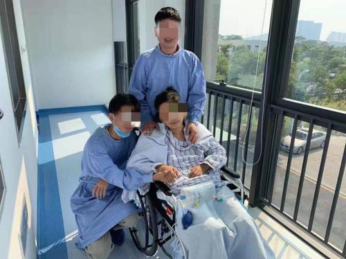 一串小疱疹导致她昏迷7天!原是疱疹病毒引发病毒性脑炎