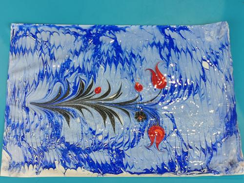 视频丨 这个美女倒了一缸水…土耳其独一无二的非遗技艺拓画,在进博会国家馆这样拓出来
