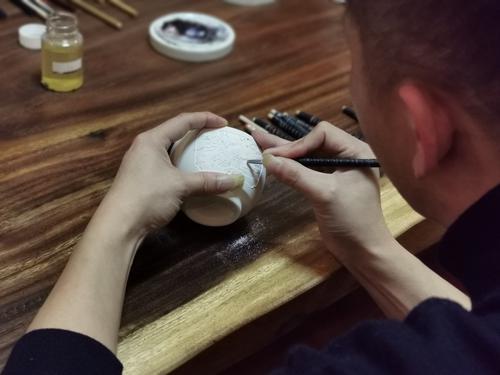东莞元素注入陶瓷,景德镇非遗传承人将携陶瓷精品亮相明年加博会