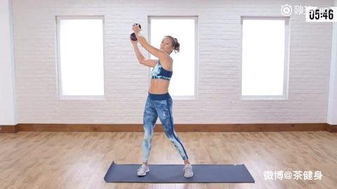 10分钟站姿腹肌训练方案,视频带有倒计时训练时间提示,非常方便于在家锻炼。