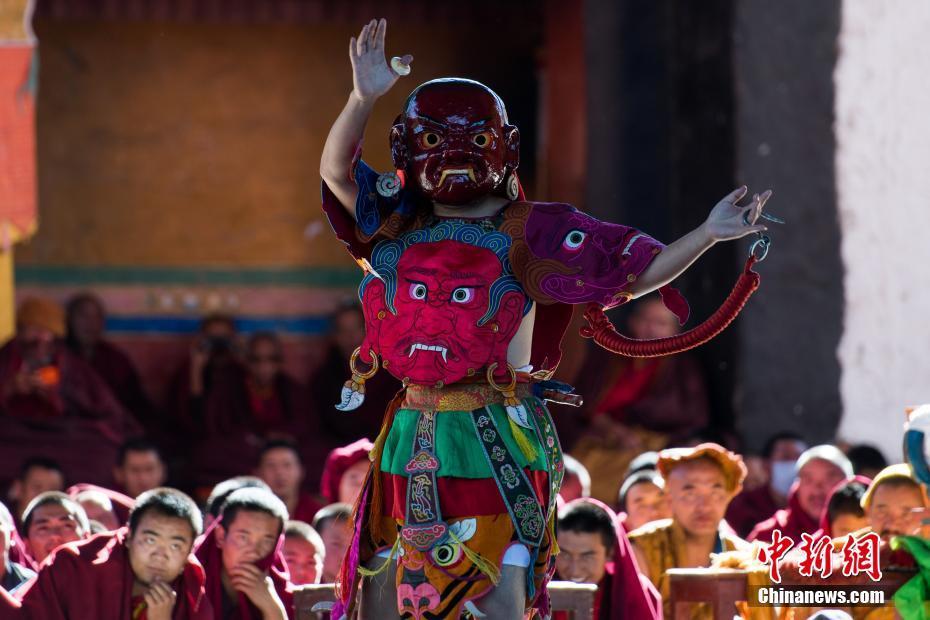 日媒:日首相向靖国神社供奉祭品