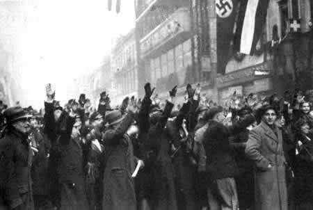 二战这个国家,三百万大军40天投降,女人为敌军生了20万混血