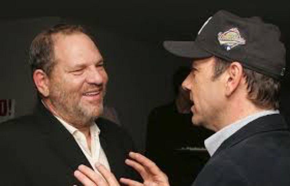韦恩斯坦(左)与凯文·史派西。