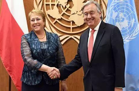 ▲巴切莱特与联合国秘书长古特雷斯