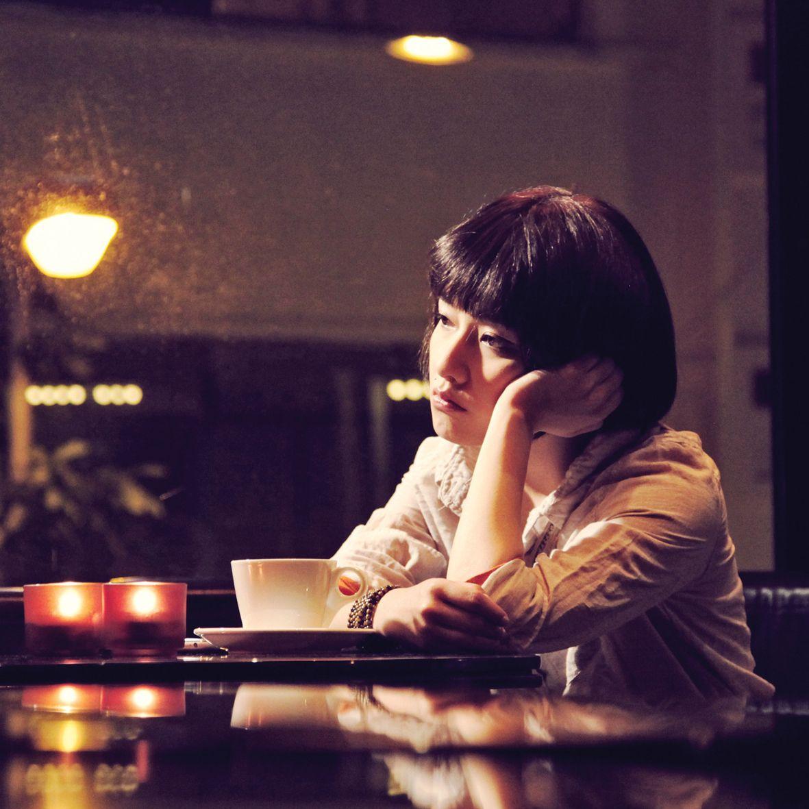 """出道25年的""""电影演员""""范晓萱作品知多少?丨夜问"""