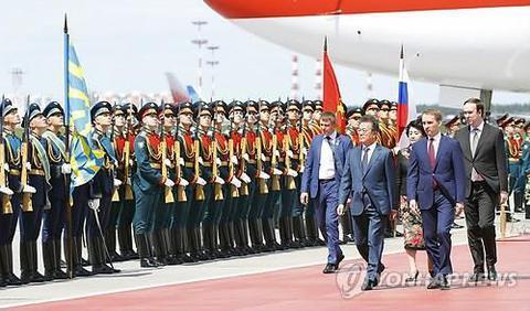 韩国总统文在寅抵达莫斯科开始对俄罗斯进行国事访问。图片来源:韩联社。
