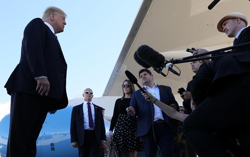 """美媒称特朗普在军中支持率正在下降:其性情成""""槽点""""(2)"""