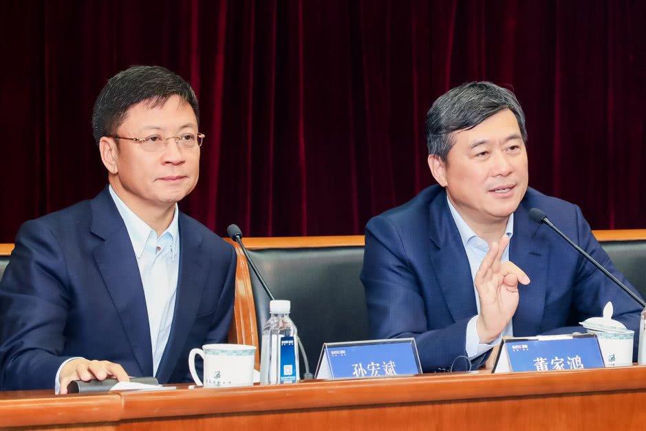 上海娱乐平台登录 宜昌市30万中小学生今开学 农村孩子书学费全免
