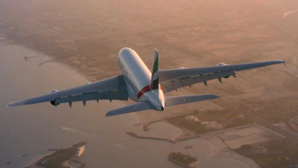 喷气式飞人编队和A380一起翱翔迪拜