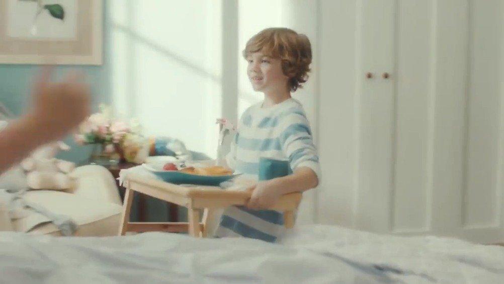 爆笑反转恶搞短片:别再装了,妈妈们