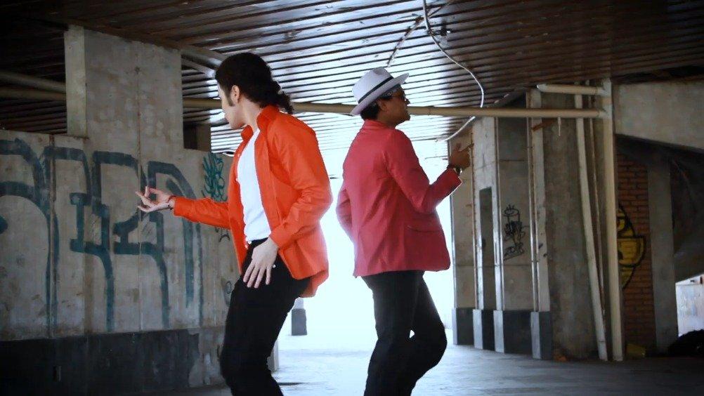 MJ与火星哥同台斗舞?!这其实是今年8月29日