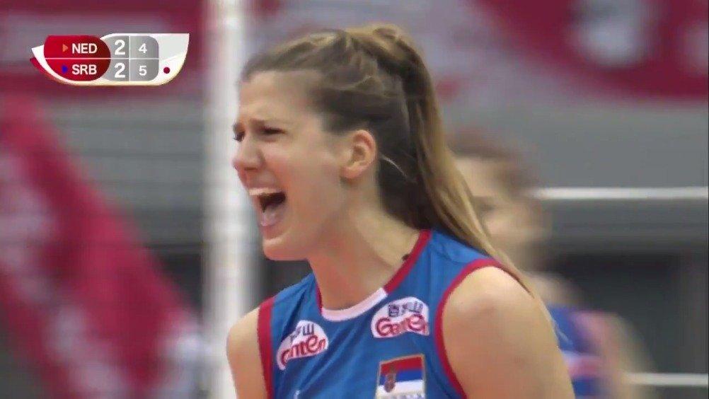 荷兰女排2-3输给了非主力阵容的塞尔维亚女排,来看看比赛集锦