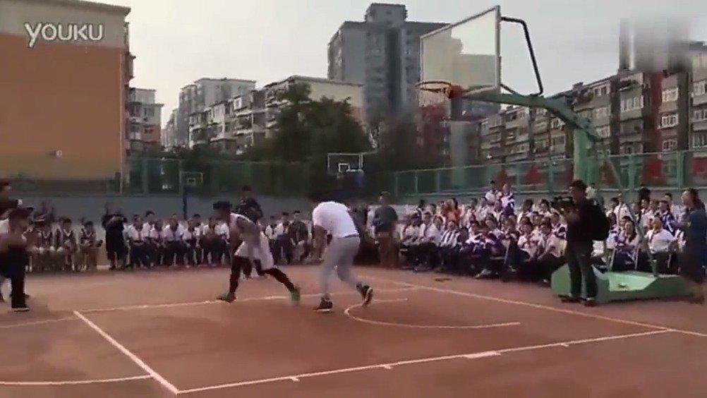 国家队主力翟晓川和中学生单挑,气氛一度尴尬 --虎扑帖ID