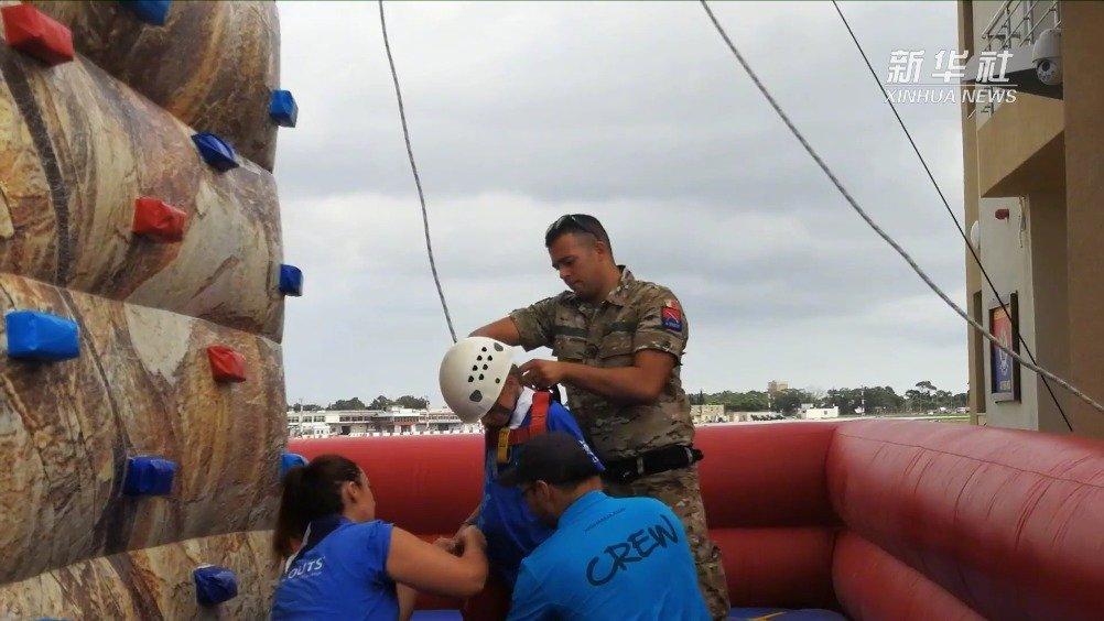 儿童乐园?不,这是马耳他武装部队开放日