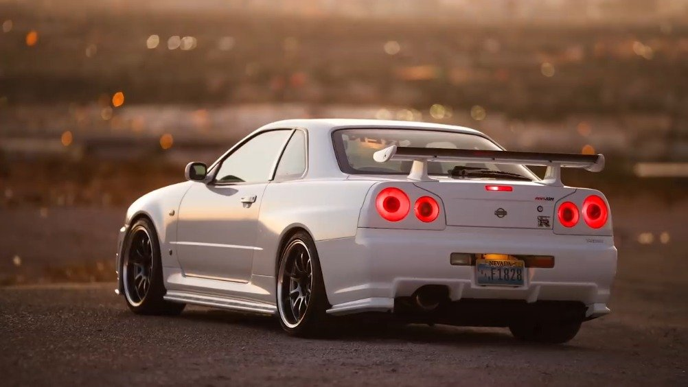 Two Skylines of our Dreams- Classic Hakosuka Nissan Skyline