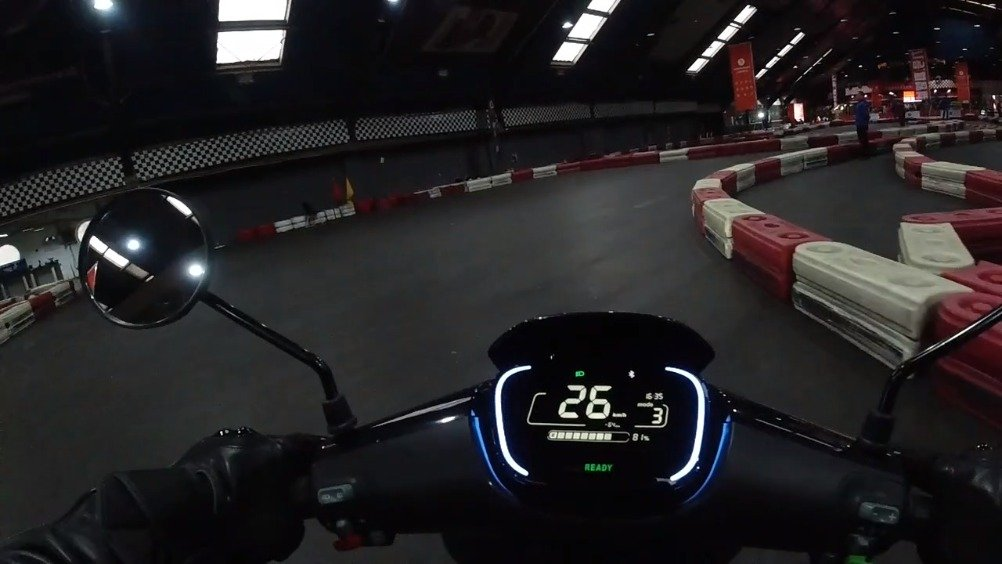 Ninebot电动踏板摩托车上手体验