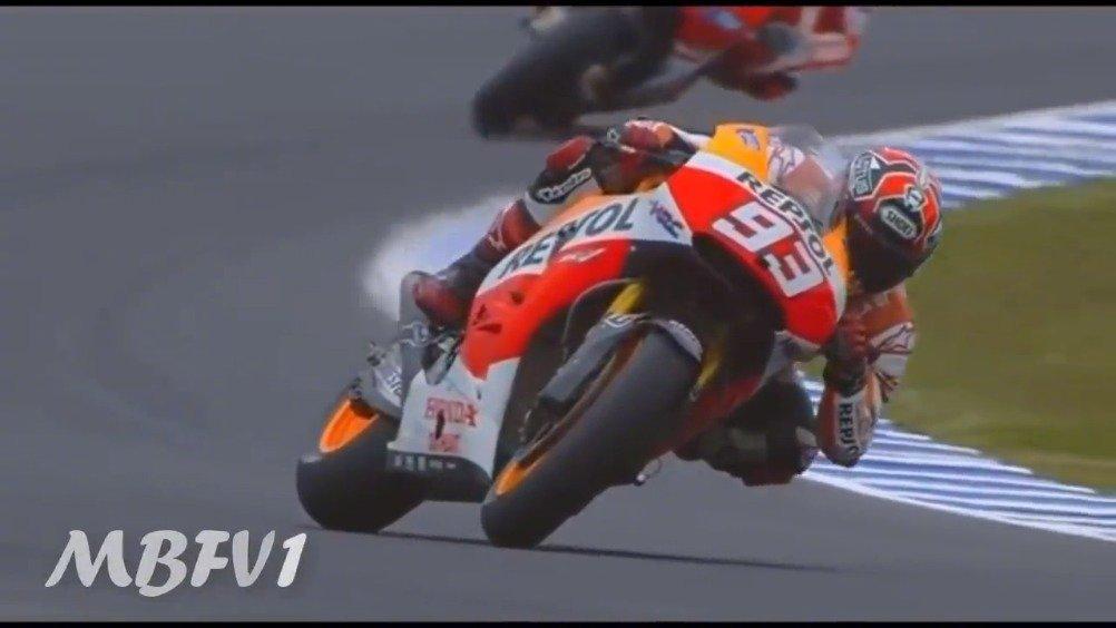 高速慢放MotoGP车手过弯,简直是耍爆了