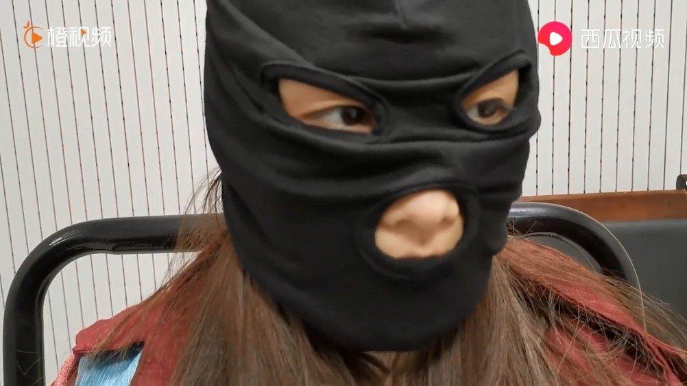"""19岁男子冒充""""女模特""""骗钱,山东警方在广东抓获11名诈骗嫌疑人"""