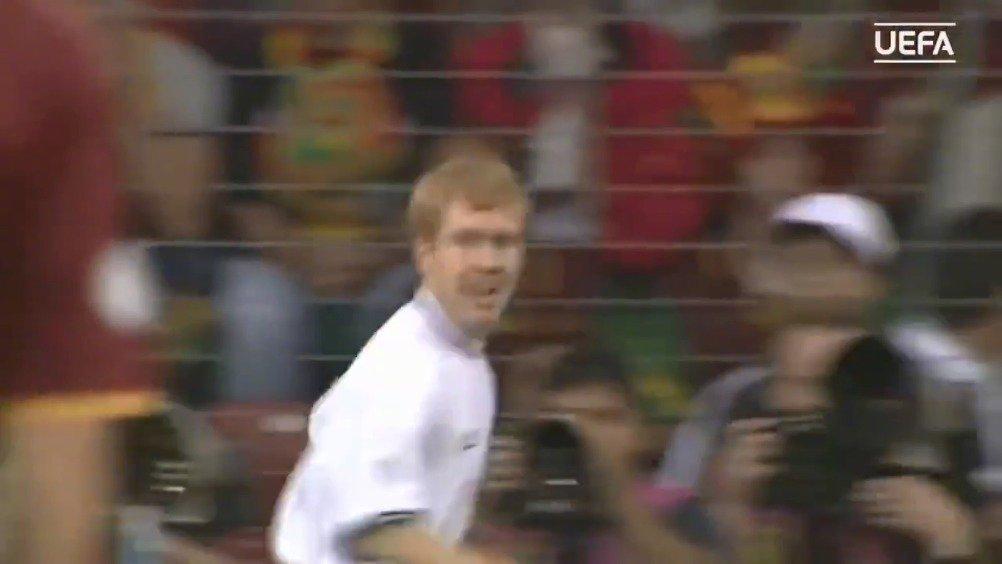 【经典回顾】2000年欧洲杯,葡萄牙3-2英格兰,菲戈的一脚远射惊艳