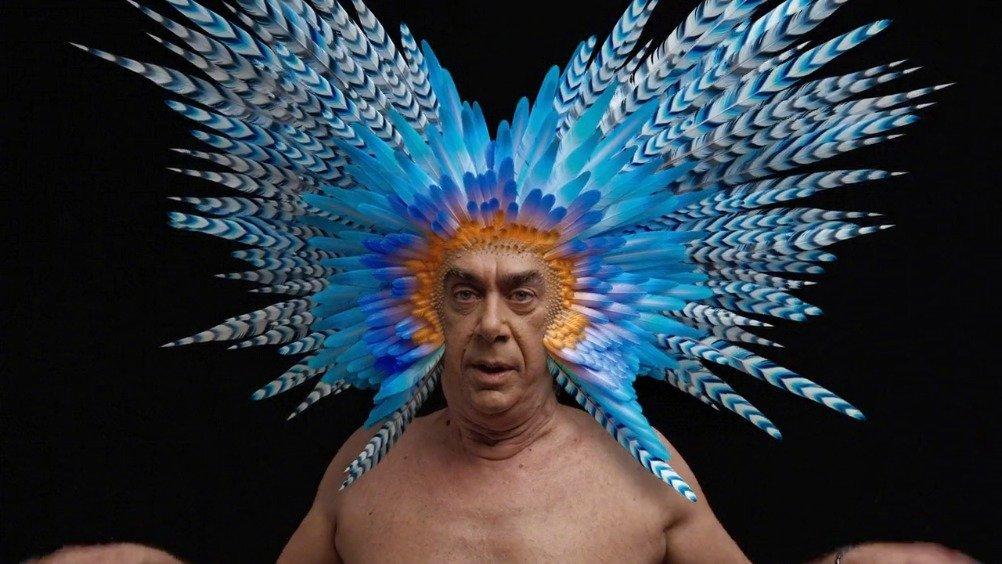 舞台剧《鸟》的宣传视频,叠加到演员头部的奇妙3D特效~