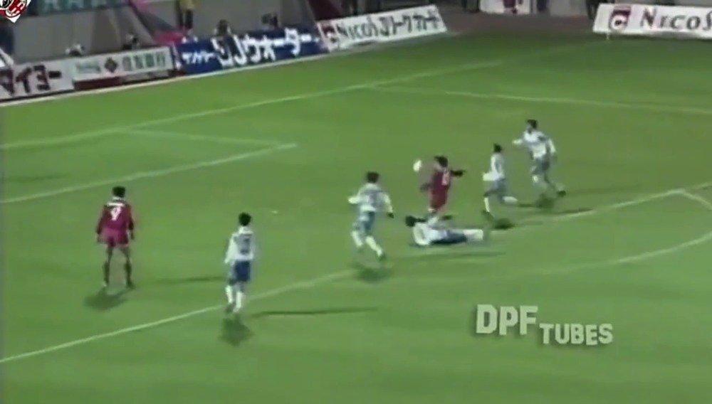 【精彩进球】1995年莱昂纳多效力鹿岛鹿角队打进的这记进球。那个
