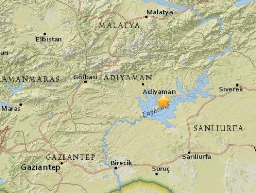 土耳其东南部发生5.2级地震 造成13人受伤