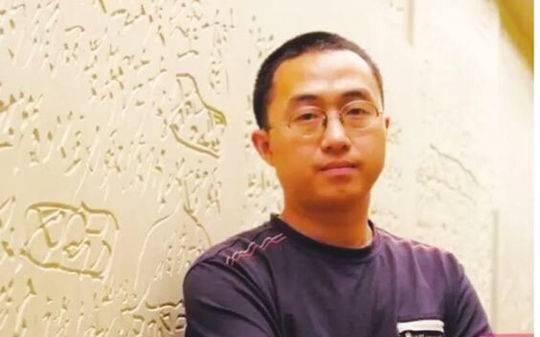 精彩描摹当代诗的九十九张面孔 四川作家胡亮因《窥豹录》获建安文学双年奖