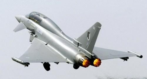 图为欧洲台风战斗机