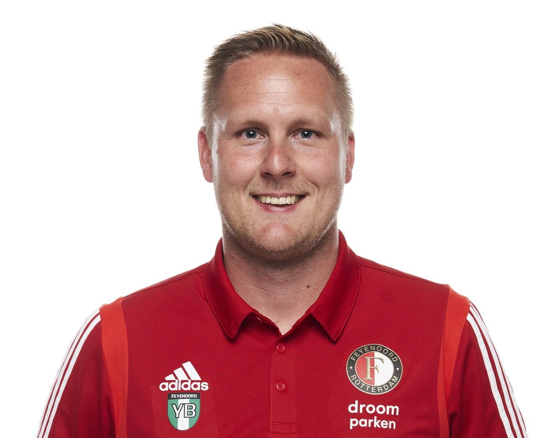 官方:费耶诺德技术分析师博斯夏特加入富力教练组