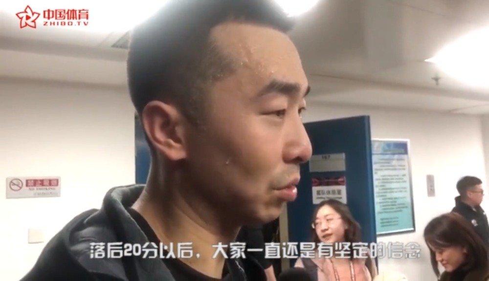 一句点评  王骁辉:英雄!