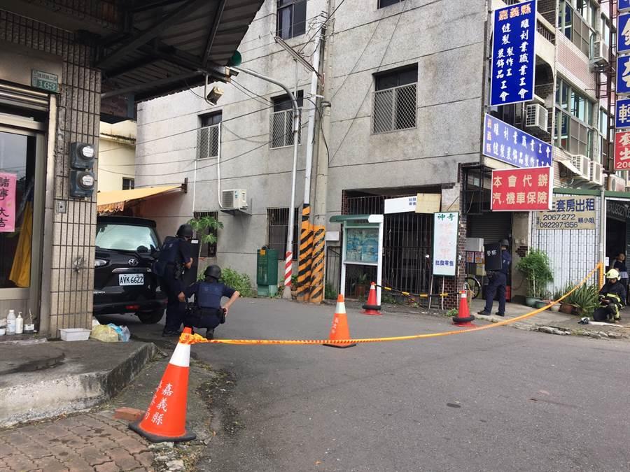 台湾陌头警匪僵持,氛围严重(图源:中时电子报)