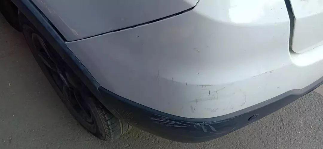 初中生撞坏私家车后,留下一张字条刷屏朋友圈