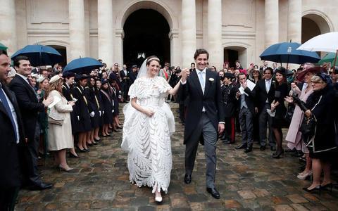 """法国举办""""世纪婚礼""""拿破仑后人迎娶奥地利女公爵"""