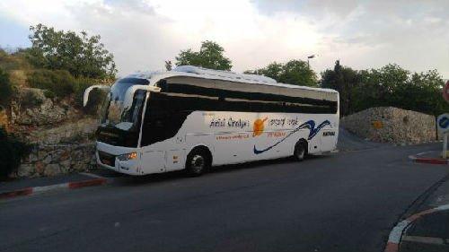 在耶路撒冷的中通客车。(企业供图)