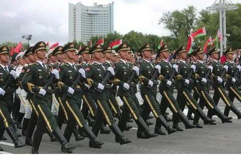 德媒质疑解放军赴白俄罗斯阅兵 白方:建议你多读中国哲学