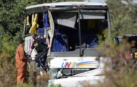 中国游客在加遇车祸1死34伤 伤者:或因司机打瞌睡