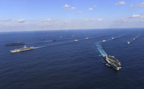 美国军舰穿越台湾海峡 岛内讽刺:为躲避台风吧?