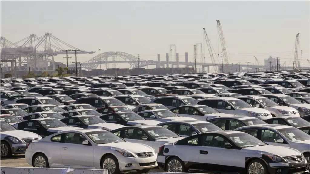 ▲抵达美国洛杉矶港口的日本进口汽车