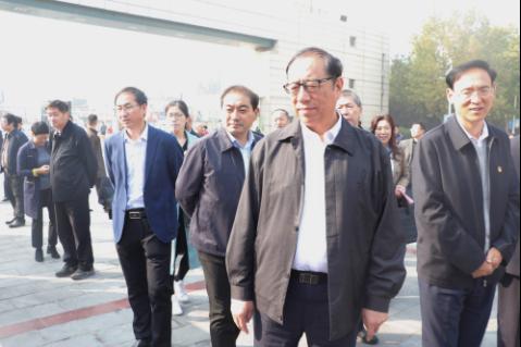 中国法学会党组成员、副会长张苏军一行莅临河南师范大学观摩调研