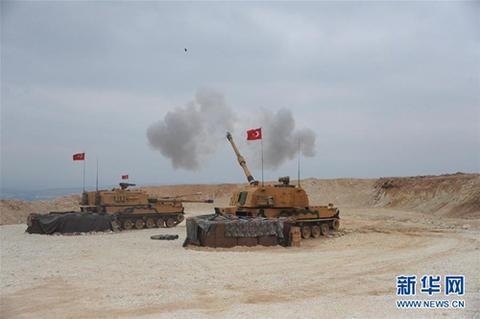 10月9日,土耳其武拆队伍正在土道疆域对道利亚北部的库我德武拆策动军事动作。(图片滥觞:新华社)
