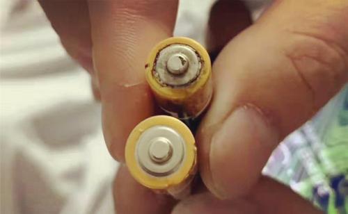 3岁男孩吞下电池,幸好家长做对了一件事,每个父母都应该看看