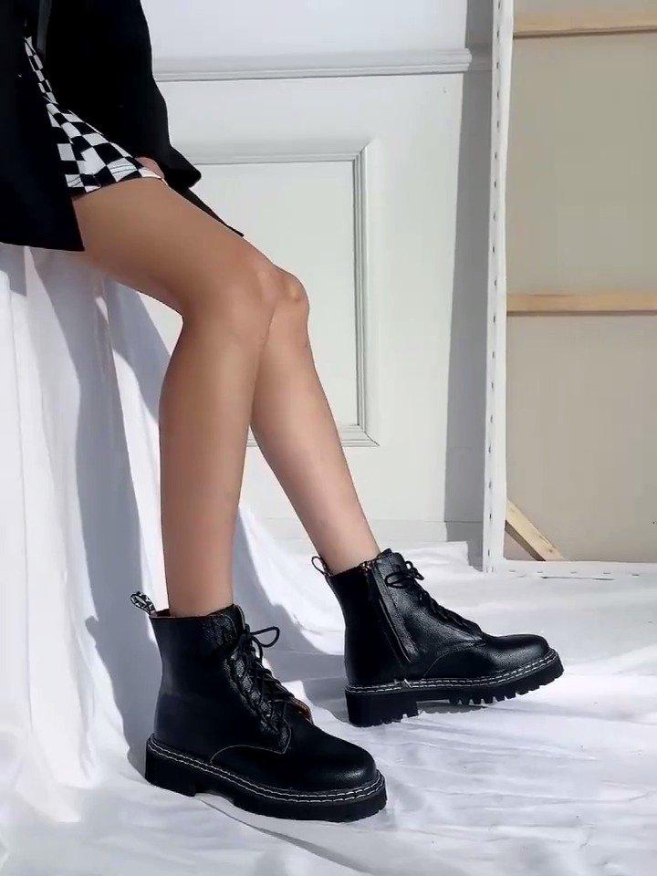 达芙妮 马丁靴